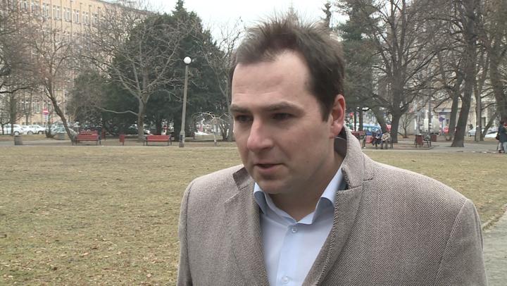 Kontrowersyjna decyzja warszawskich urzędników ws. koncesji dla restauratora Artura Jarczyńskiego może oznaczać nawet kilkaset miejsc pracy mniej