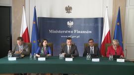 konferencja prasowa w Ministerstwie Finansów, minister finansów Mateusz Szczurek [zdjęcia wideo]