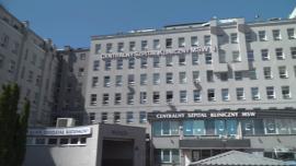 Centralny Szpital Kliniczny MSWiA w Warszawie w czasie pandemii - z zewnątrz [przebitki] News powiązane z triaż