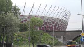 Pociągi, kolej, tory, Stadion Narodowy, PKP Powiśle, Warszawa - lipiec [przebitki]