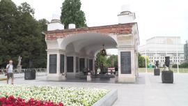 Grób Nieznanego Żołnierza, Plac Piłsudskiego, Warszawa - lipiec [przebitki]