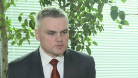 M. Mrowiec: coraz więcej argumentów przeciw szybkiemu przyjęciu euro