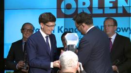 """Wręczenie nagrody dla PKN Orlen w konkursie """"THE BEST ANNUAL REPORT 2012"""" Baza przebitek"""