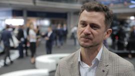 Mercedes-Benz wprowadza na rynek pierwszego elektryka. Do 2023 roku co piąte sprzedawane auto koncernu będzie mieć napęd elektryczny News powiązane z Poznań MotorShow