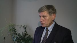 Prof. L. Balcerowicz: podniesienie płacy minimalnej czy program 500 zł na dziecko mogą doprowadzić do rozwoju szarej strefy