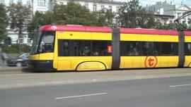 Autobusy i tramwaje Warszawa – sierpień [przebitki]