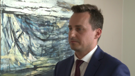 Przewalutowanie kredytów walutowych na koszt banków może naruszać konstytucję. Polsce grożą duże straty