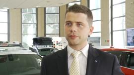 Możliwość pełnego odliczenia VAT-u zwiększyła sprzedaż samochodów. Liderem sprzedaży aut z kratką w klasie premium jest Volvo