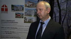 Właściciel największego producenta prefabrykowanych domów drewnianych chce sprzedać duży pakiet akcji. Wartość oferty może wynieść 360 mln zł