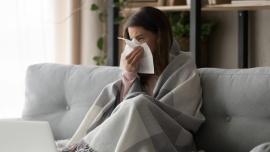Ryzyko zachorowania na grypę wyższe niż w poprzednim sezonie. Medycy spodziewają się wzrostu zainteresowania szczepionkami [DEPESZA]
