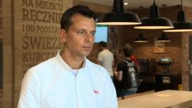 KFC zmienia model działania restauracji. Inwestuje w usługi mobilne i technologie, które usprawnią i przyspieszą obsługę gości