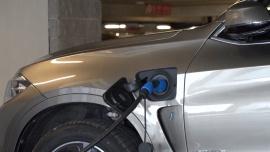 Eksperci: Zabezpieczenia przeciwpożarowe polskich parkingów podziemnych i tuneli nie są przygotowane na pojazdy elektryczne [DEPESZA]