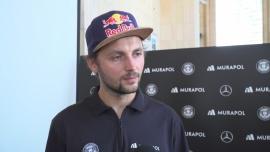 Andrzej Bargiel pod koniec września chce zjechać na nartach z Mount Everest. Wyprawa ma zwrócić uwagę na zanieczyszczenie środowiska News powiązane z ekologia w górach