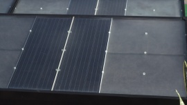 Firmy szukają możliwości oszczędzania na rachunkach za energię. Coraz więcej decyduje się na inwestycje w panele fotowoltaiczne Depesze
