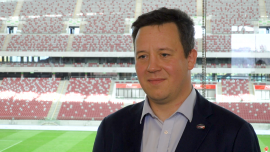 PGE Polska Grupa Energetyczna przez kolejne pięć lat będzie sponsorem tytularnym PGE Narodowego. Stadion zyskał także oficjalnego patrona News powiązane z reprezentacja Polski w piłce nożnej