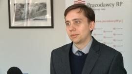 Polacy muszą gromadzić dokumenty o osiąganych zarobkach na bieżąco. To pozwoli im otrzymać wyższą emeryturę