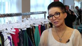 Polacy nie przywiązują zbyt dużej wagi do tego, z jakiego materiału wykonane są ich ubrania. Zwykle kupują tańszą odzież na 1–2 sezony
