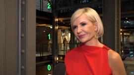 Joanna Racewicz: Wszyscy jesteśmy spragnieni kontaktu z drugim człowiekiem i spojrzenia sobie w oczy. Ale mam wrażenie, że wszystko jest za szybko i zbyt odważnie