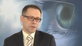 Promienie UV szkodliwe dla oczu. Także jesienią i zimą