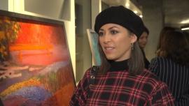 Natalia Kukulska: Wypalanie obrazów w piecach wydaje mi się bardzo oryginalną techniką. Dzięki niej każde dzieło ma w sobie odrobinę nieprzewidywalności