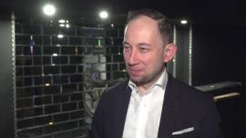 Jarosław Milner: Prawdziwy dżentelmen pije, pali i przeklina. Ja niestety nie palę, ale lubię wypić, oczywiście z umiarem News powiązane z impreza