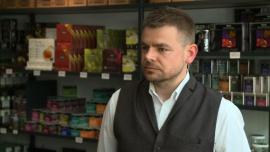 Polacy nie doceniają walorów herbaty. Parzą ją zbyt długo, przez co traci swoje właściwości
