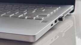 Rekordowe wzrosty sprzedaży komputerów PC w pierwszym kwartale 2021 roku. Popyt może się utrzymać nawet po złagodzeniu pandemicznych obostrzeń [DEPESZA]