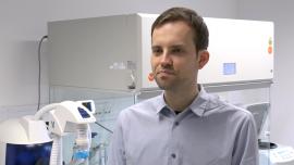 Polacy opracowali tanią, szybką i bardzo wygodną metodę testowania na SARS-CoV-2. Do badania potrzebna jest tylko próbka śliny