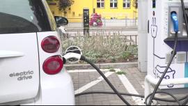 Rynek aut elektrycznych po pandemii czeka dynamiczny wzrost. Pomoże w tym Komisja Europejska [DEPESZA] News powiązane z elektromobilność