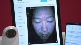 Analiza skóry twarzy w 10 sekund dzięki innowacyjnemu urządzeniu. Podpowie też, jakie kosmetyki należy stosować