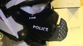 Nowe technologie w walce ze smogiem. Inteligentne maski antysmogowe chronią przed niewidocznymi dla ludzkiego oka śmiercionośnymi cząsteczkami