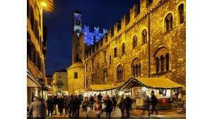 Poczuj atmosferę alpejskich świąt na jarmarkach bożonarodzeniowych w Trentino Biuro prasowe