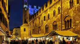 Poczuj atmosferę alpejskich świąt na jarmarkach bożonarodzeniowych w Trentino