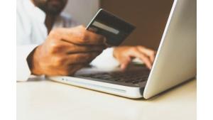 Zalety odroczonych płatności. Nowy trend wśród konsumentów