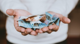 Rząd obiecuje, pracodawca musi płacić