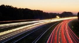 Światła samochodowe: zgodne z prawem i zdrowym rozsądkiem