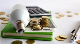 Jak oszczędzać prąd w firmie? Praktyczny poradnik