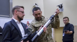 Warszawscy kontrterroryści ze wsparciem firm branży stolarki okienno-drzwiowej