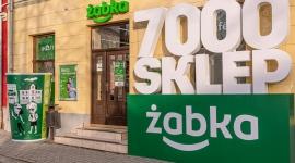 Żabka coraz bardziej lokalna. 7000. sklep sieci otwarty w zabytkowym Bieczu