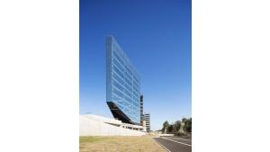 Szkło przeciwsłoneczne na elewacji siedziby BNL-BNP Paribas w Rzymie