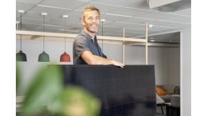 Panele słoneczne przez internet – jak zainstalować je… online?