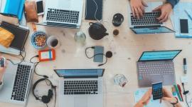 Nowy raport Salesforce - Trendy w sektorze małych i średnich przedsiębiorstw