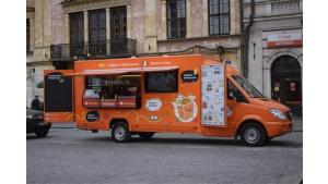 Makarunowy food truck przygotowany na oblężenie