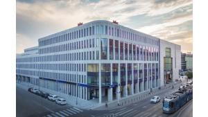 LC Corp sprzedaje dwa biurowce i zapowiada nową strategię Biuro prasowe
