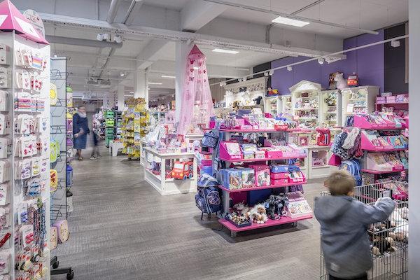 b5cf0985a45543 Zabawki wciąż chętnie kupujemy w sklepach - Handel - Newseria Biznes