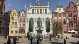 Dawniej i dziś - Społeczne znaczenie największych placów Gdańska Biuro prasowe