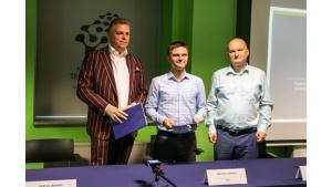 Nowy członek projektu JoinBertus – UTI.PL podpisuje umowę w Kieleckim Parku Tech Biuro prasowe