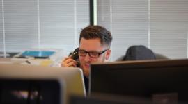 5 sposobów na usprawnienie pracy call center przy pomocy AI
