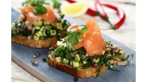 """""""Fit"""" śniadanie na wiosnę - pomysły na pyszne i zdrowe kanapki Biuro prasowe"""