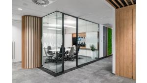 Wokół dźwięku - biuro Oticon w warszawskim biurowcu Q22